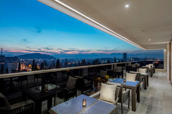 HHP_executive lounge terrace