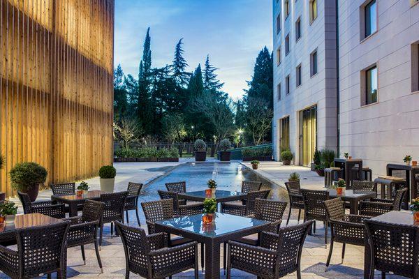 HHP_terrace courtyard